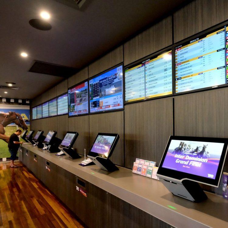 monitors-side-desk